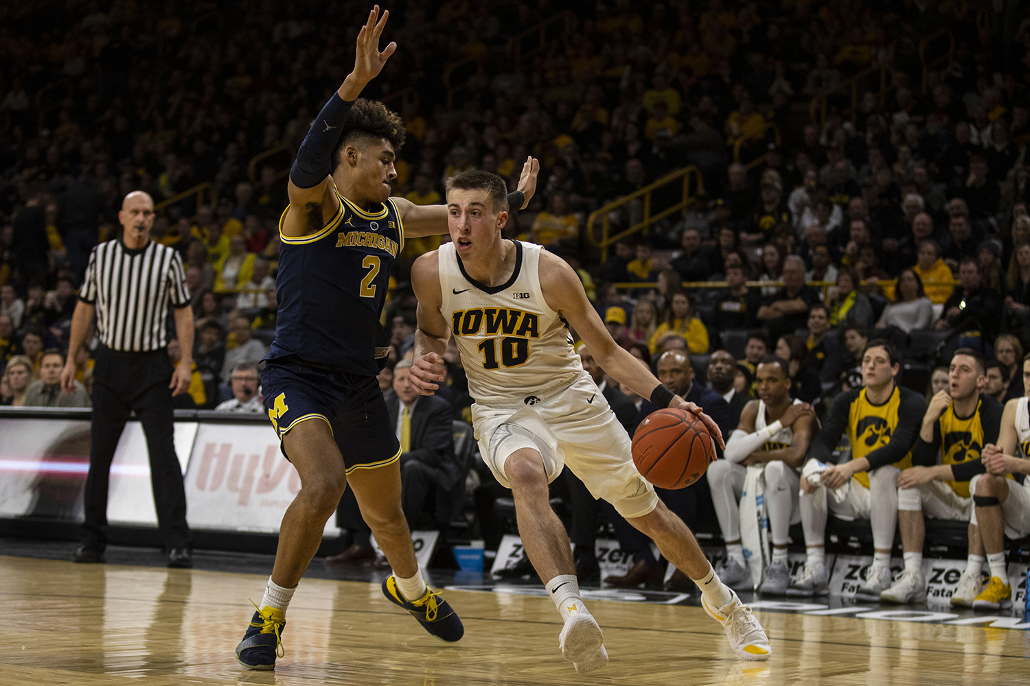 Iowa+forward+Joe+Wieskamp+drives+to+the+hoop+during+the+Iowa%2FMichigan+men%27s+basketball+game+at+Carver-Hawkeye+Arena+on+Friday%2C+February+1%2C+2019.+The+Hawkeyes+took+down+the+No.+5+ranked+Wolverines%2C+74-59.+