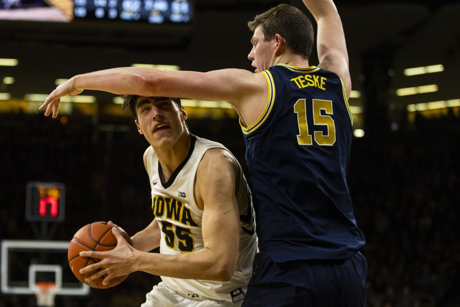 Iowa+forward+Luka+Garza+looks+to+the+hoop+during+the+Iowa%2FMichigan+men%27s+basketball+game+at+Carver-Hawkeye+Arena+on+Friday%2C+February+1%2C+2019.+The+Hawkeyes+took+down+the+No.+5+ranked+Wolverines%2C+74-59.+