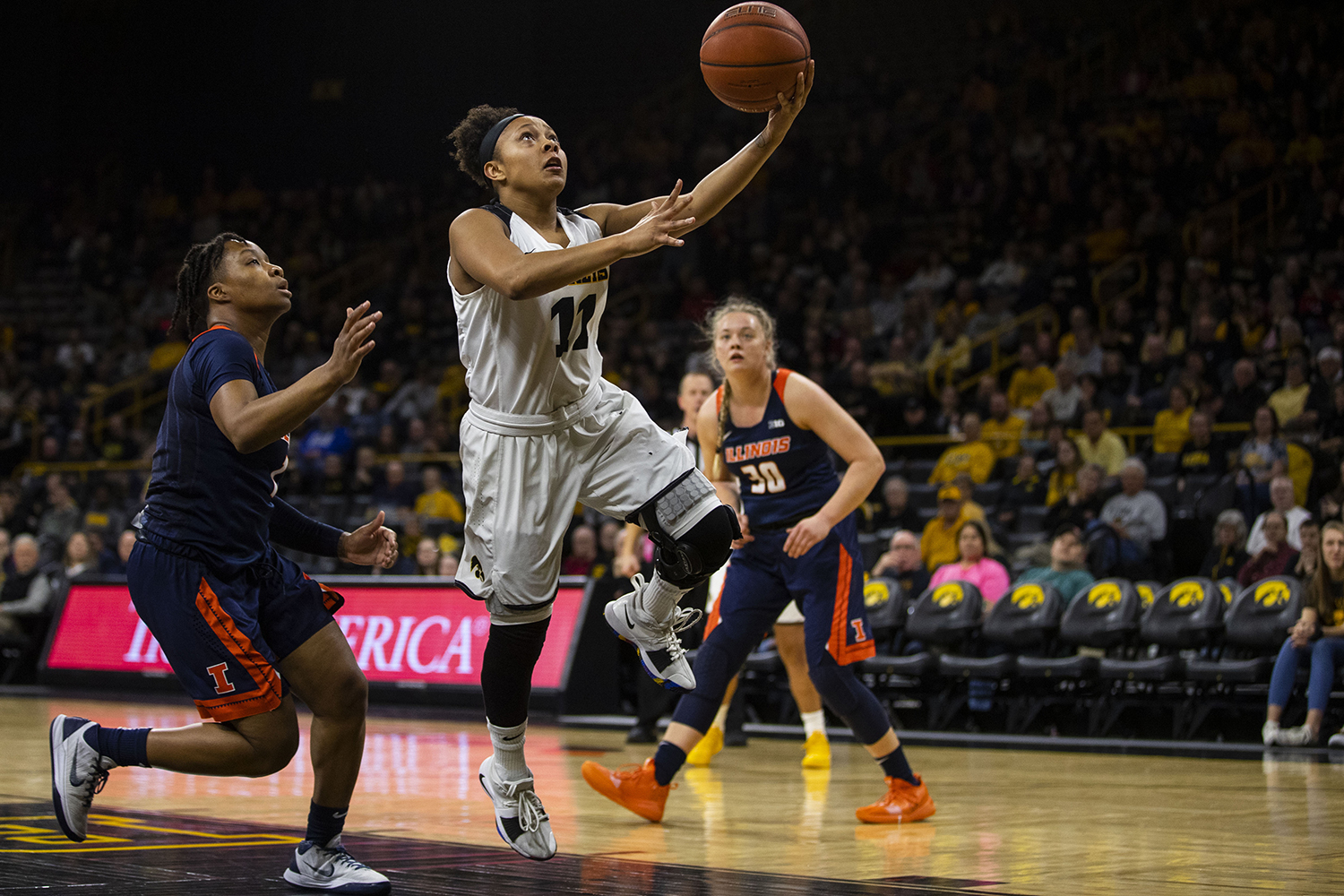 Iowa+guard+Tania+Davis+attempts+a+layup+during+the+Iowa%2FIllinois+women%27s+basketball+game+at+Carver-Hawkeye+Arena+on+Thursday%2C+February+14%2C+2019.+The+Hawkeyes+defeated+the+Fighting+Illini%2C+88-66.+