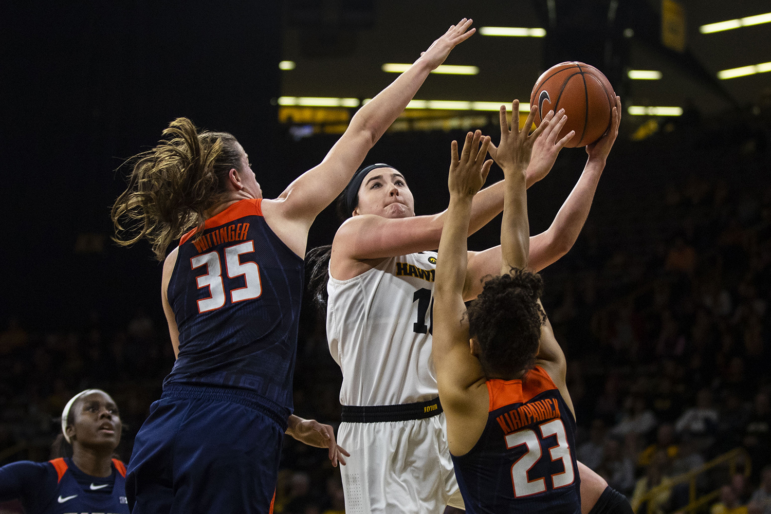 Iowa+center+Megan+Gustafson+looks+to+the+basket+during+the+Iowa%2FIllinois+women%27s+basketball+game+at+Carver-Hawkeye+Arena+on+Thursday%2C+February+14%2C+2019.+The+Hawkeyes+defeated+the+Fighting+Illini%2C+88-66.+
