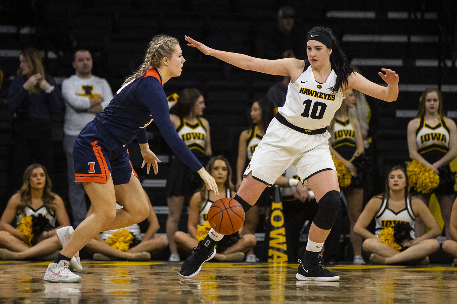 Iowa+center+Megan+Gustafson+guards+Illinois+forward+Ali+Andrews+during+the+Iowa%2FIllinois+women%27s+basketball+game+at+Carver-Hawkeye+Arena+on+Thursday%2C+February+14%2C+2019.+The+Hawkeyes+defeated+the+Fighting+Illini%2C+88-66.+