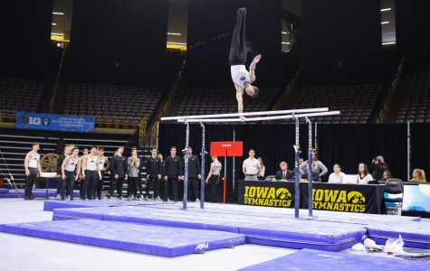 Iowa gymnastics falls short in weekend meets
