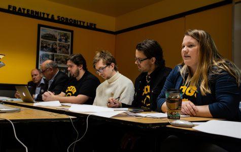 COGS votes in favor of regents' contract proposal