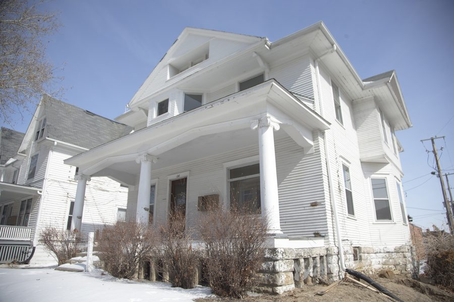 board of regents discusses razing two houses across from ui campus rh dailyiowan com