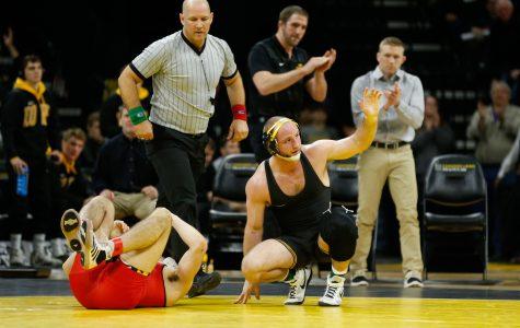 Hawkeye wrestling eyes undefeated Big Ten dual season