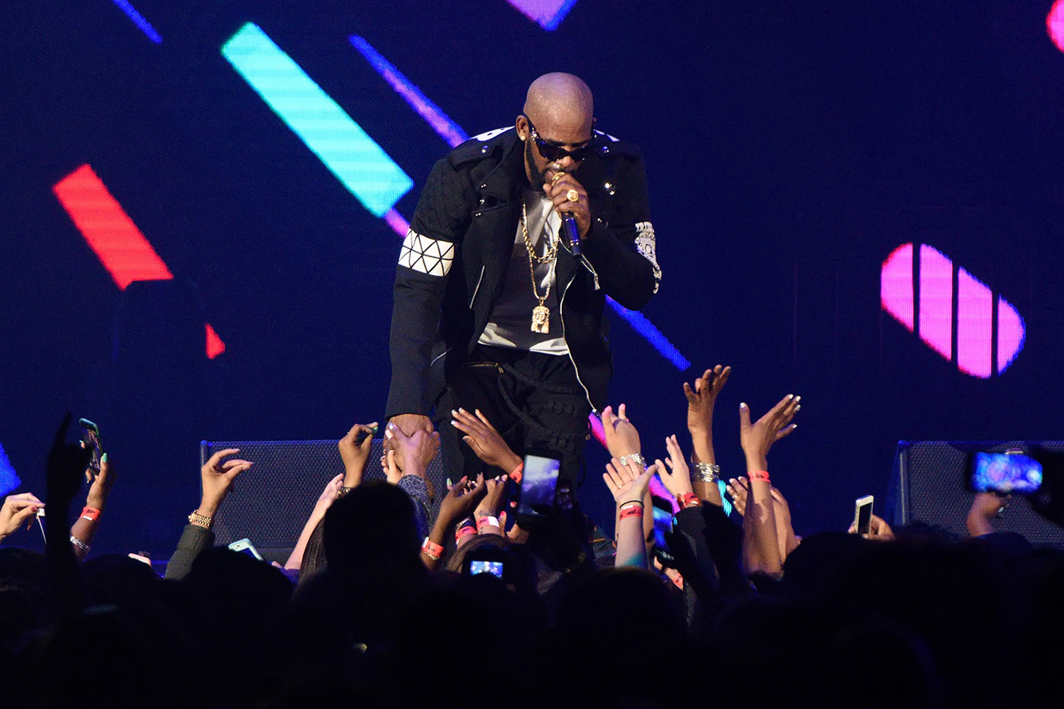 R. Kelly performs during The Buffet Tour on May 7, 2016 at Allstate Arena in Chicago, Illinois. (Daniel Boczarski/Getty Images/TNS)