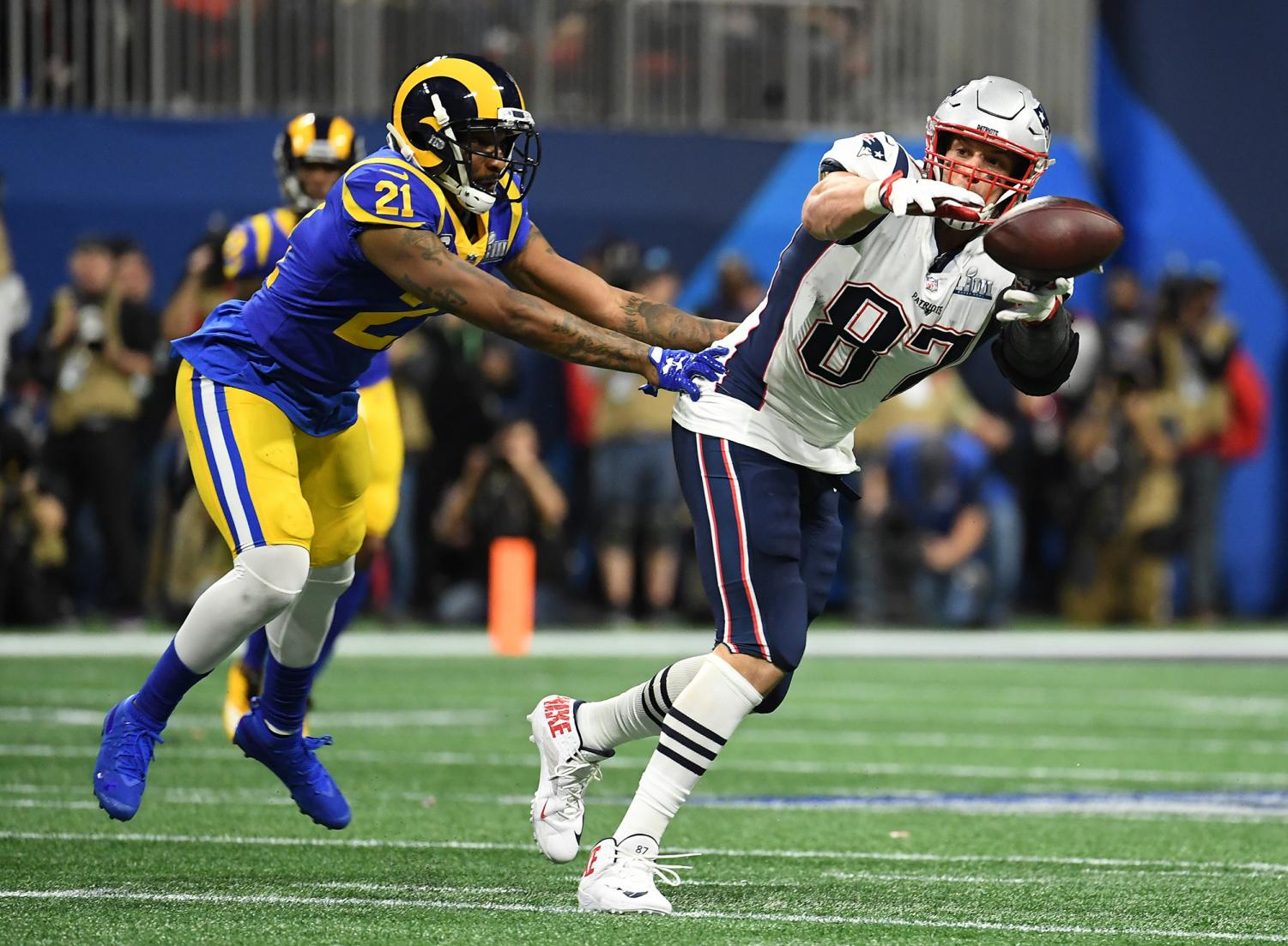New England Patriots tight end Rob Gronkowski (87) can't catch the pass as the Los Angeles Rams' Aqib Talib covers in the first quarter during Super Bowl LIII at Mercedes-Benz Stadium in Atlanta on Sunday, Feb. 3, 2019. (Wally Skalij/Los Angeles Times/TNS)
