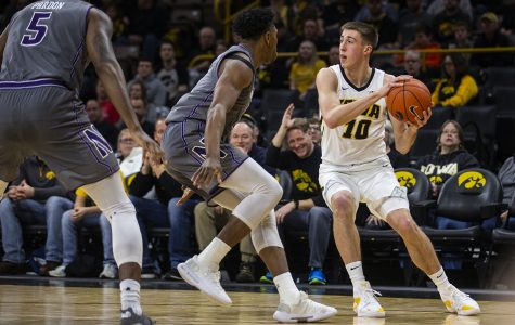 Point/counterpoint: Who is Iowa's best scorer?