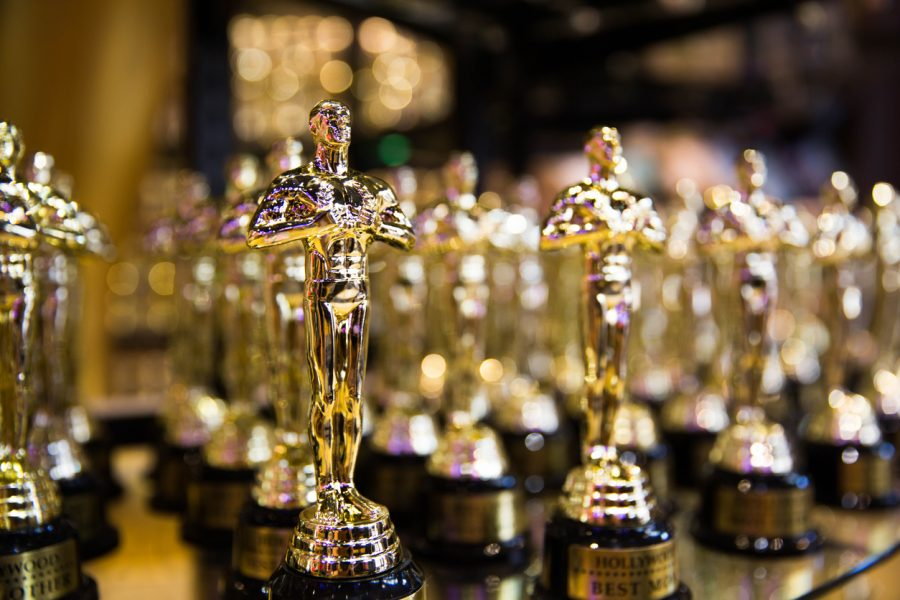 Hollywood%2C+CA%2F+USA+-+July+26%2C+2018%3A+Oscar+golden+award+in+a+souvenir+store+on+Hollywood+Boulevard.+Success+and+victory+concept