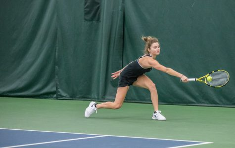 Hawkeye tennis gets swept for first time this season