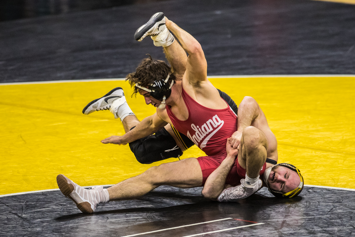 Iowa%27s+No.+2+Alex+Marinelli+wrestles+Indiana%27s+Dillon+Hoey+at+165lb+during+a+wrestling+match+between+Iowa+and+Indiana+at+Carver-Hawkeye+Arena+on+Friday%2C+February+15%2C+2019.+The+Hawkeyes%2C+celebrating+senior+night%2C+defeated+the+Hoosiers+37-9.