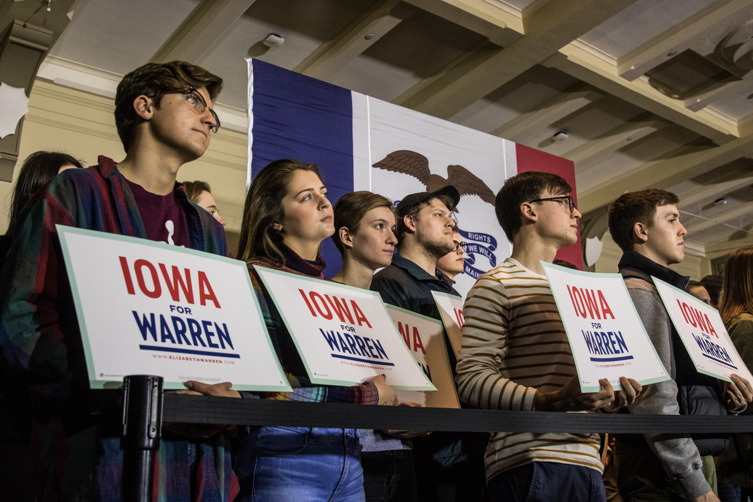 Supporters+for+Sen.+Elizabeth+Warren+gather+during+a+campaign+rally+in+the+IMU+on+Sunday%2C+February+10%2C+2019.