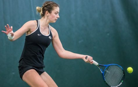 Hawkeye tennis suffers first losing streak of season