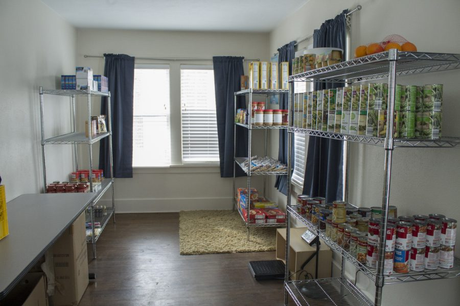 Nonperishable+foods+are+stored+in+shelving+on+Tuesday%2C+Feb.+26%2C+2019.+The+newest+branch+of+the+UI+Food+Pantry+is+located+in+the+upstairs+of+the+LGBTQ+Resource+Center.