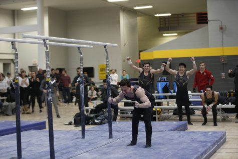 Iowa brings home three All-Americans in men's gymnastics