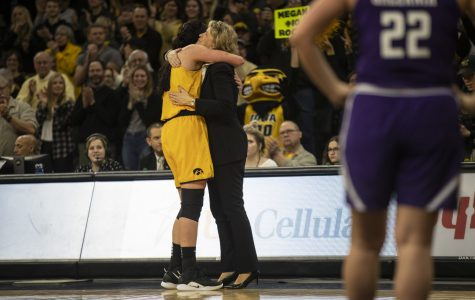 Gustafson, Bluder sweep Naismith Awards