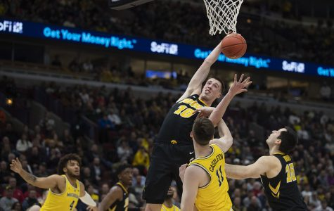 Michigan topples Iowa in Big Ten Tournament