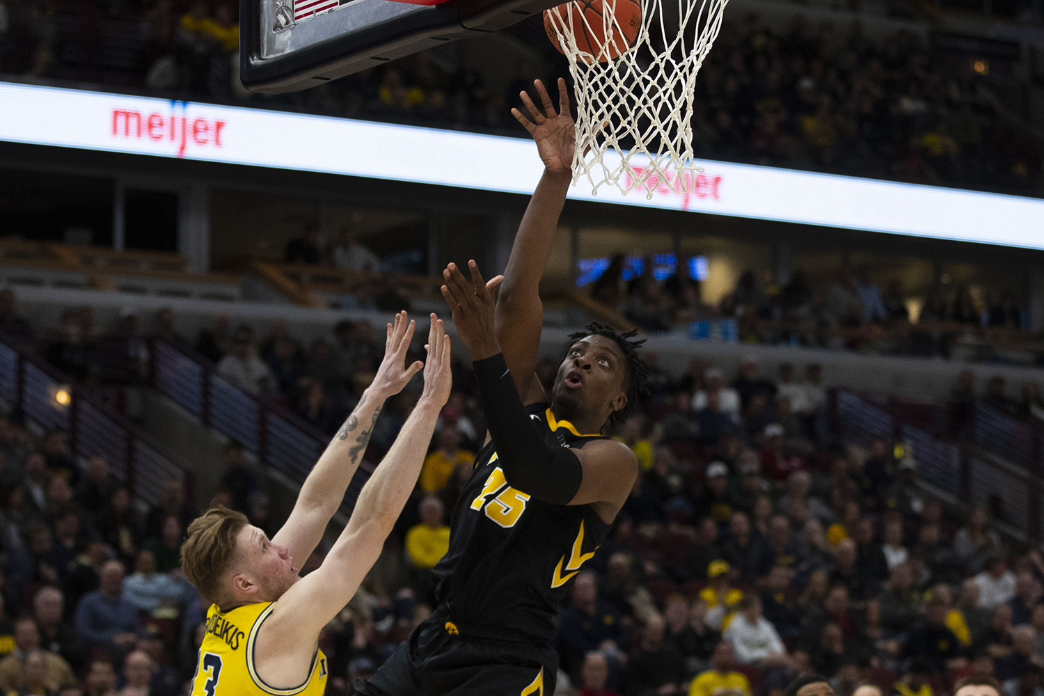 Iowa+forward+Tyler+Cook+attempts+a+shot+during+the+Iowa%2FMichigan+Big+Ten+Tournament+men%27s+basketball+game+in+the+United+Center+in+Chicago+on+Friday%2C+March+15%2C+2019.+The+Wolverines+defeated+the+Hawkeyes%2C+74-53.+