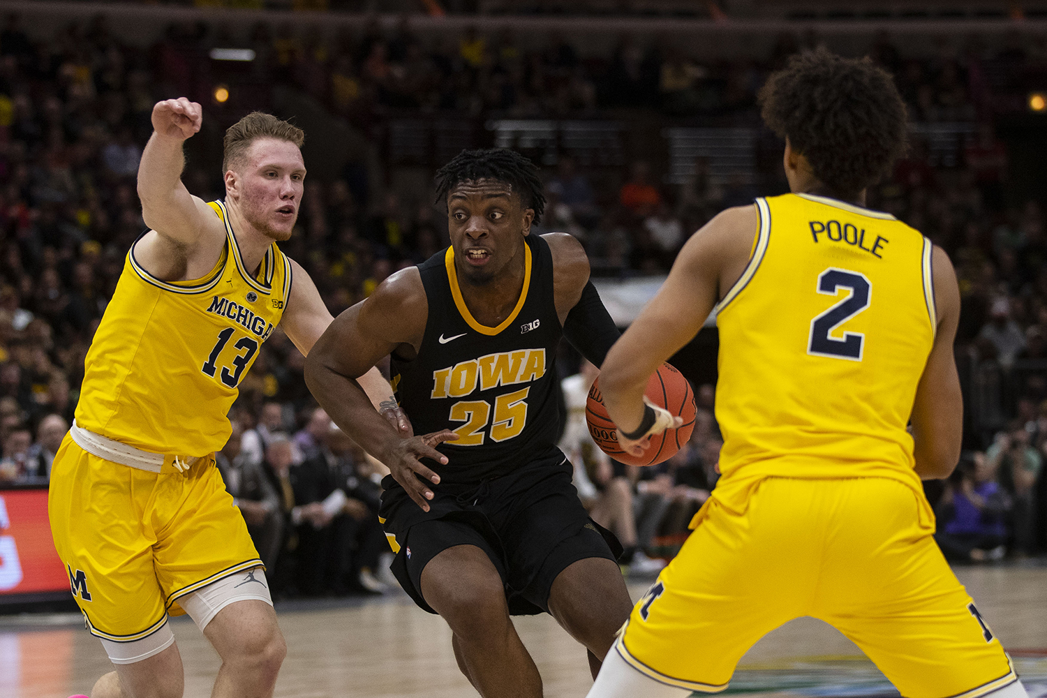 Iowa+forward+Tyler+Cook+drives+to+the+basket+during+the+Iowa%2FMichigan+Big+Ten+Tournament+men%27s+basketball+game+in+the+United+Center+in+Chicago+on+Friday%2C+March+15%2C+2019.+The+Wolverines+defeated+the+Hawkeyes%2C+74-53.+