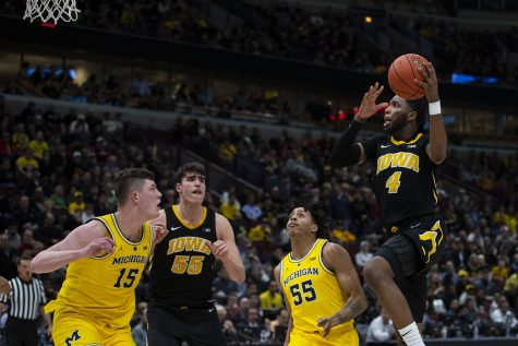 Hawkeyes down Illini in Big Ten Tournament opener