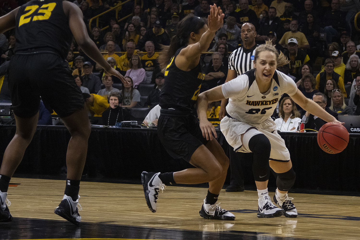 Iowa+guard+Kathleen+Doyle+drives+to+the+basket+during+the+Iowa%2FMizzou+NCAA+Tournament+second+round+women%27s+basketball+game+in+Carver-Hawkeye+Arena++on+Sunday%2C+March+24%2C+2019.+The+Hawkeyes+defeated+the+Tigers%2C+68-52.+