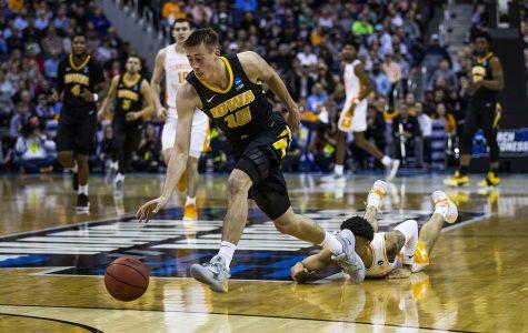 Iowa basketball's Joe Wieskamp to test NBA waters