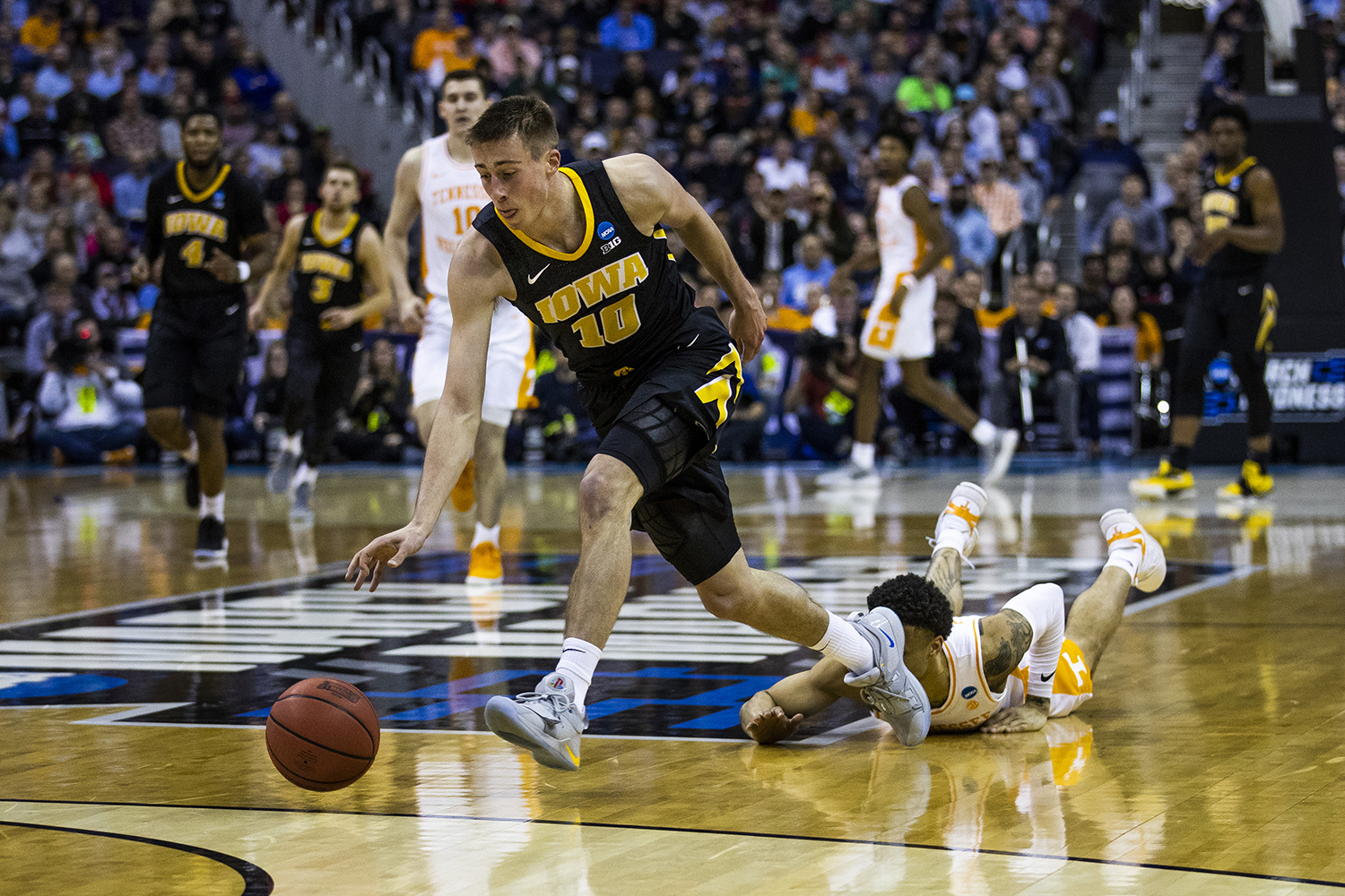 Iowa guard Joe Wieskamp steals the ball away from Tennessee guard Lamonte Turner during the NCAA game against Tennessee at Nationwide Arena on Sunday, March 24, 2019. The Volunteers defeated the Hawkeyes 83-77 in overtime.