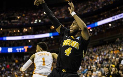 Iowa basketball guard Isaiah Moss to transfer