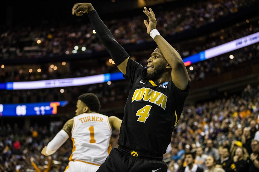 Iowa+guard+Isaiah+Moss+shoots+a+three-pointer+during+the+NCAA+game+against+Tennessee+at+Nationwide+Arena+on+Sunday%2C+March+24%2C+2019.+The+Volunteers+defeated+the+Hawkeyes+83-77+in+overtime.