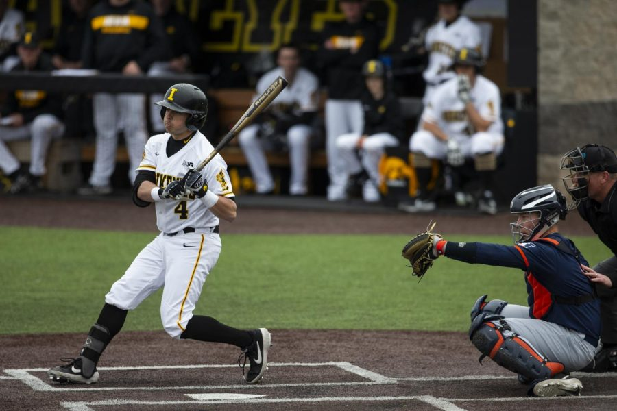 Improved hitting fuels Hawkeye baseball past Illini