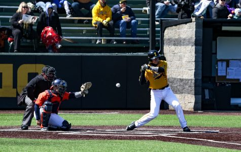 Iowa baseball splits doubleheader with Rutgers