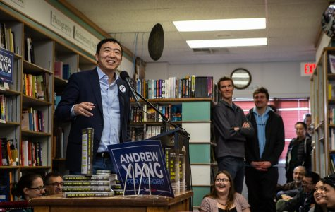 Photos: Presidential candidate Andrew Yang in Iowa City