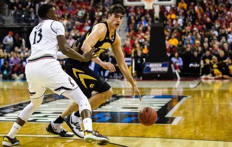 Iowa betting on itself with NCAA Tournament win over Cincinnati