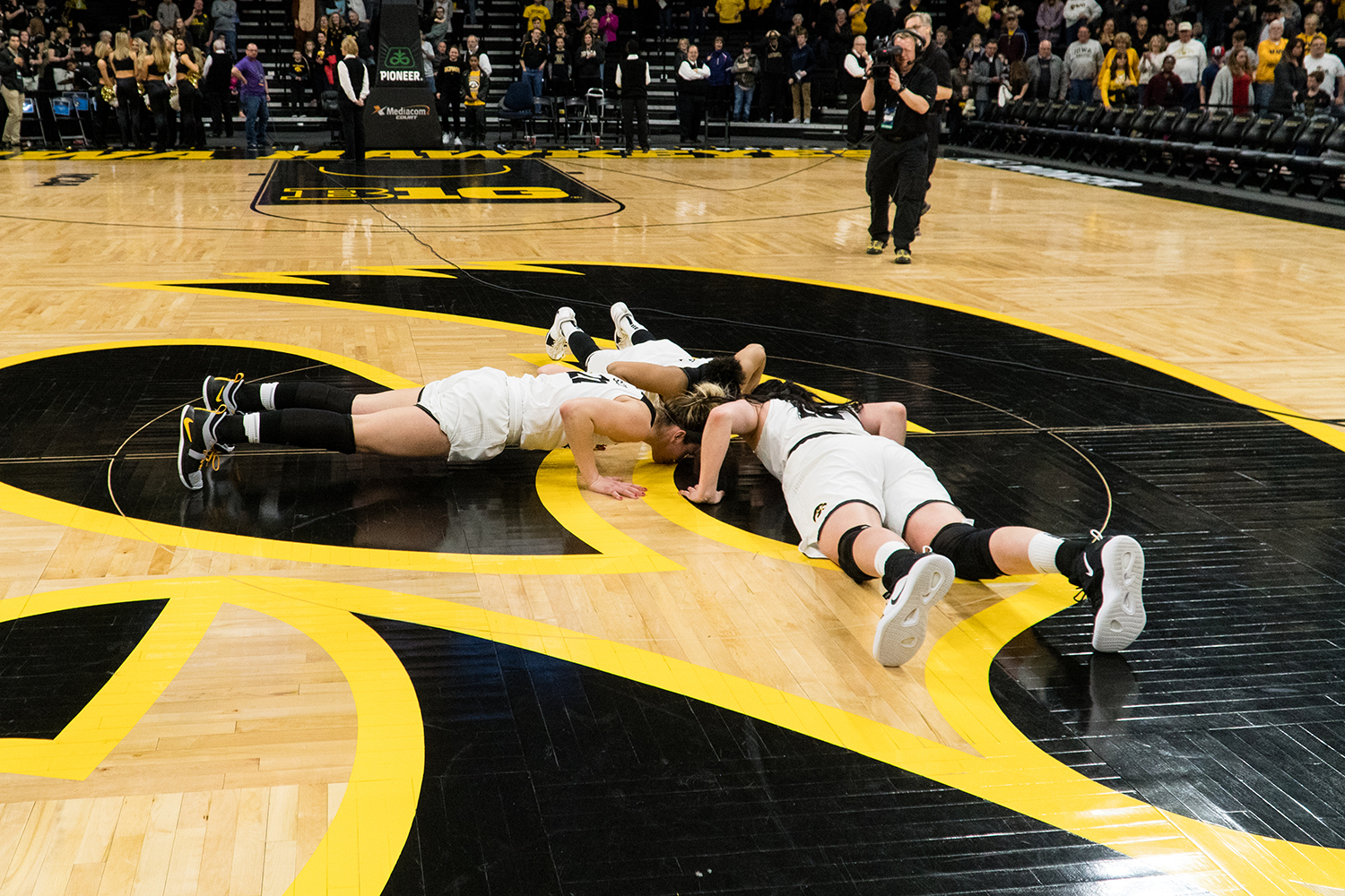 Iowa+center+Megan+Gustafson+%2810%29%2C+Iowa+guard+Tania+Davis+%2811%29+and+owa+forward+Hannah+Stewart+%2821%29+kiss+Carver+goodbye+after+the+Iowa%2FMissouri+NCAA+Tournament+second+round+women%E2%80%99s+basketball+game+in+Carver-Hawkeye+Arena+in+Iowa+City%2C+Iowa+on+Sunday%2C+March+24%2C+2019.+The+Hawkeyes+defeated+the+Tigers+68-52.