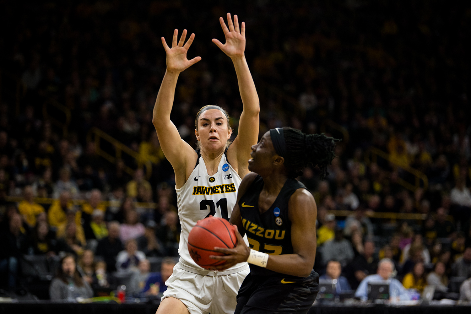 Iowa+forward+Hannah+Stewart+%2821%29+attempts+to+block+a+shot+during+the+Iowa%2FMissouri+NCAA+Tournament+second+round+women%E2%80%99s+basketball+game+in+Carver-Hawkeye+Arena+in+Iowa+City%2C+Iowa+on+Sunday%2C+March+24%2C+2019.+The+Hawkeyes+defeated+the+Tigers+68-52.