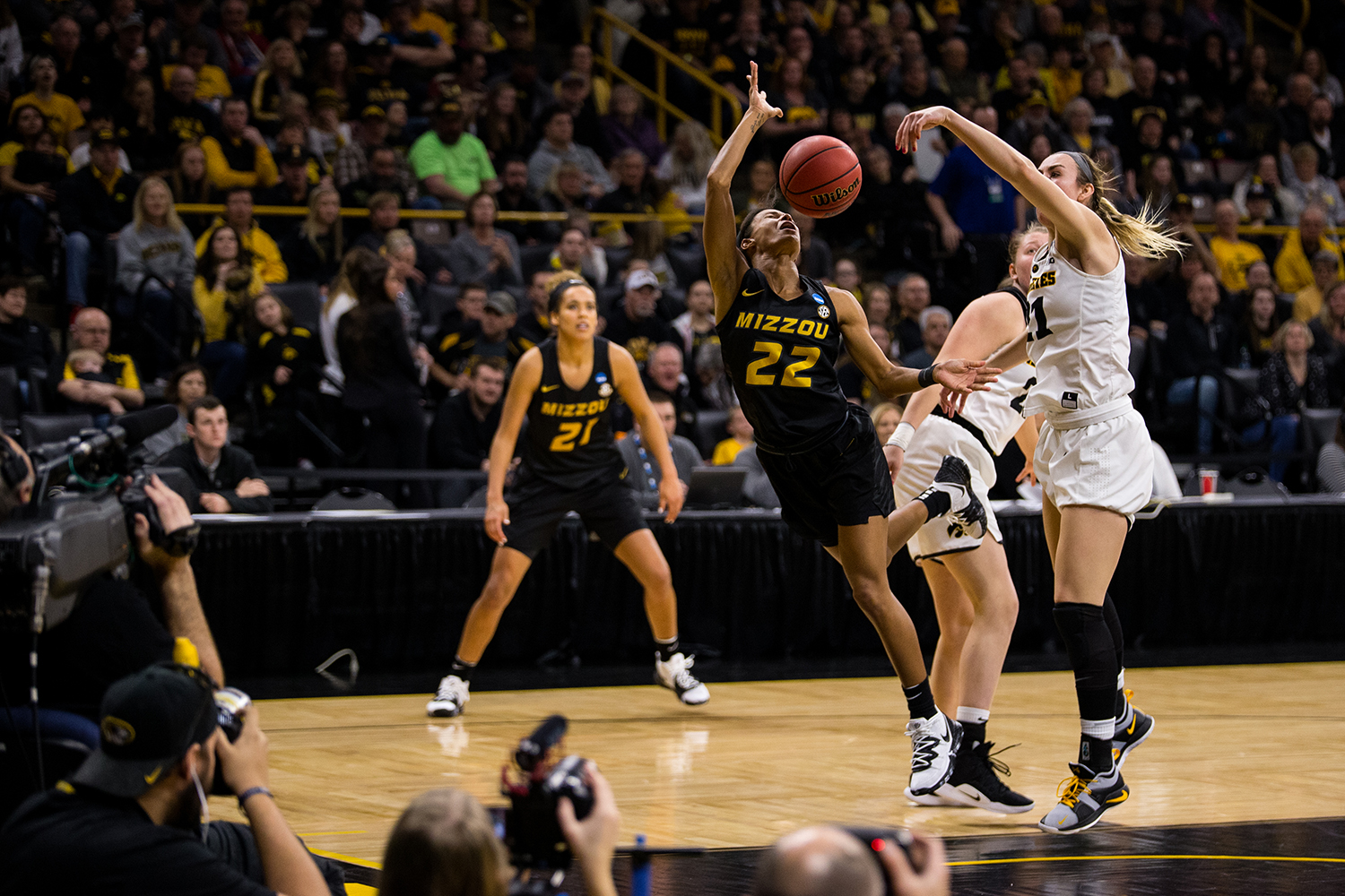 Iowa+forward+Hannah+Stewart+%2821%29+denies+a+shot+during+the+Iowa%2FMissouri+NCAA+Tournament+second+round+women%E2%80%99s+basketball+game+in+Carver-Hawkeye+Arena+in+Iowa+City%2C+Iowa+on+Sunday%2C+March+24%2C+2019.+The+Hawkeyes+defeated+the+Tigers+68-52.