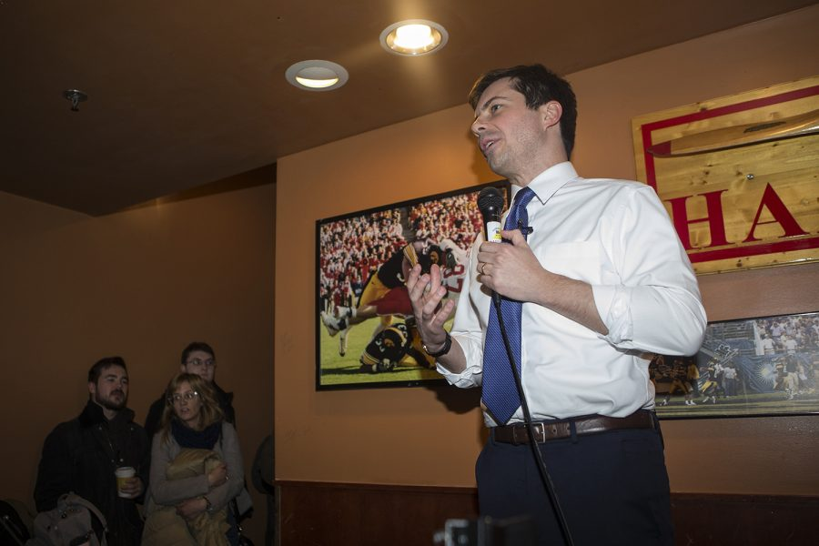 Democratic+presidential-nomination+candidate+Pete+Buttigieg%2C+mayor+of+South+Bend%2C+Indiana%2C+addresses+the+audience+during+his+visit+to+Airliner+in+Iowa+City+on+March+4%2C+2019.