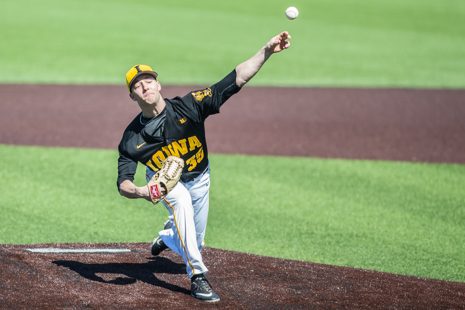 Iowa+pitcher+Cam+Baumann+throws+a+pitch+during+the+first+game+of+a+baseball+doubleheader+between+Iowa+and+Cal-State+Northridge+at+Duane+Banks+Field+on+Sunday%2C+March+17%2C+2019.+The+Hawkeyes+defeated+the+Matadors%2C+5-4.