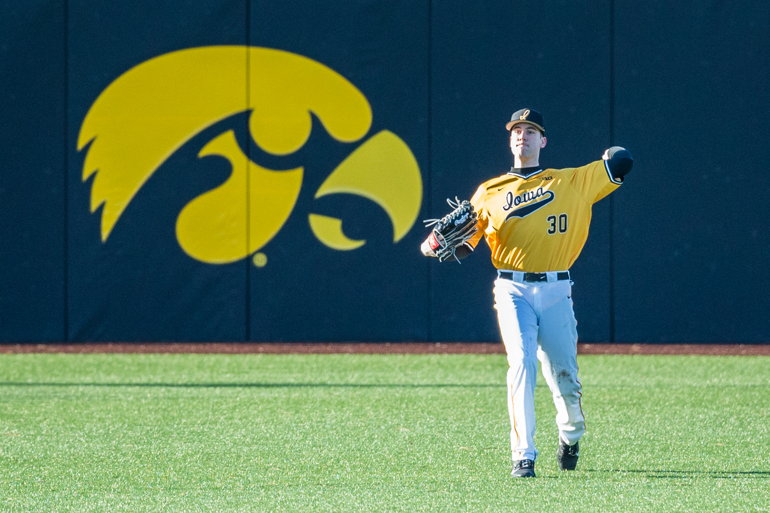 Iowa+outfielder+Connor+McCaffery+returns+the+ball+during+the+second+game+of+a+baseball+doubleheader+between+Iowa+and+Cal-State+Northridge+at+Duane+Banks+Field+on+Sunday%2C+March+17%2C+2019.+The+Hawkeyes+took+the+series+by+defeating+the+Matadors%2C+3-1.
