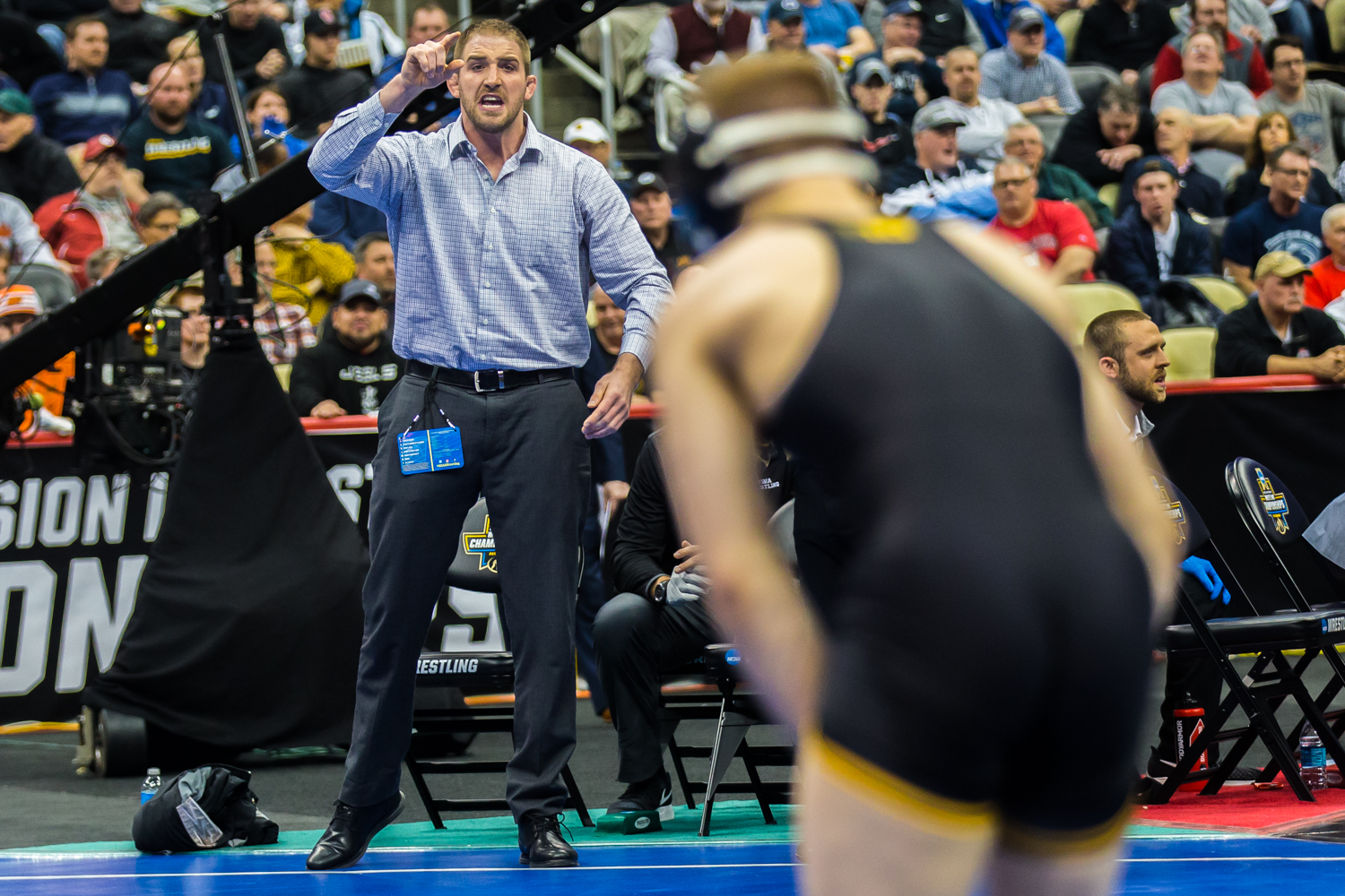 Iowa+assistant+coach+Bobby+Telford+yells+to+Spencer+Lee+during+the+fourth+session+of+the+2019+NCAA+D1+Wrestling+Championships+at+PPG+Paints+Arena+in+Pittsburgh%2C+PA+on+Friday%2C+March+22%2C+2019.
