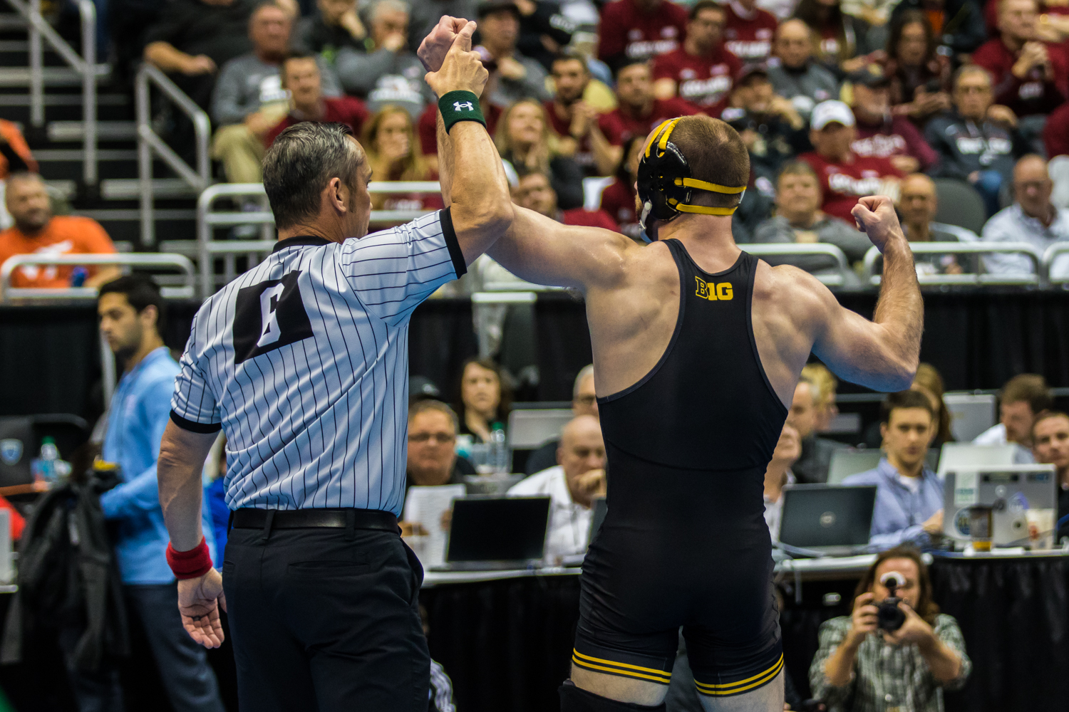 Iowa%E2%80%99s+165-pound+Alex+Marinelli+defeats+Michigan%E2%80%99s+Logan+Massa+during+the+fourth+session+of+the+2019+NCAA+D1+Wrestling+Championships+at+PPG+Paints+Arena+in+Pittsburgh%2C+PA+on+Friday%2C+March+22%2C+2019.+Marinelli+won+by+decision%2C+5-3.