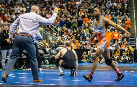 Marinelli falls in quarterfinals, vies for All-American honors