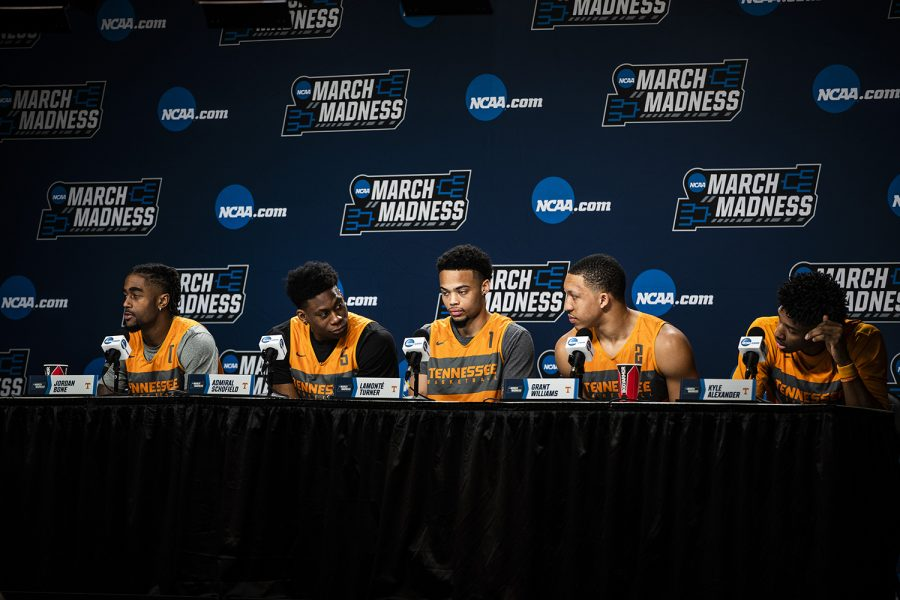 Tennessee+players+answer+questions+during+the+NCAA+Tennessee+press+conference+at+Nationwide+Arena+on+Saturday%2C+March+23%2C+2019.+The+Hawkeyes+will+play+the+Volunteers+tomorrow+in+the+second+round+of+the+tournament.