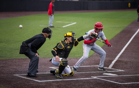 Hawkeye baseball falls flat in midweek contest against Illinois State