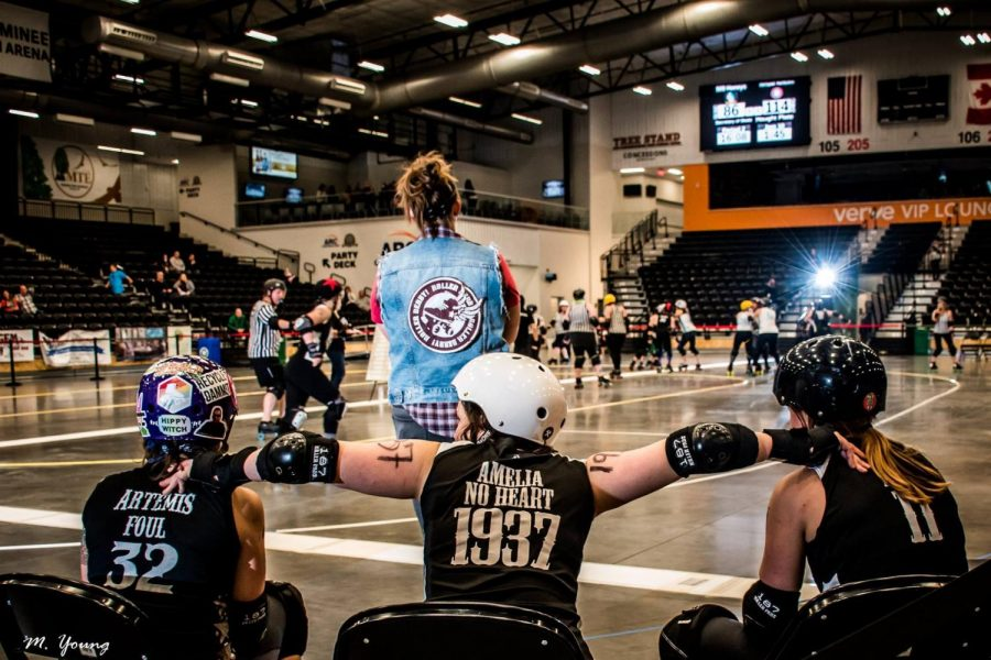 Roller+derby%3A+The+community+under+the+helmets