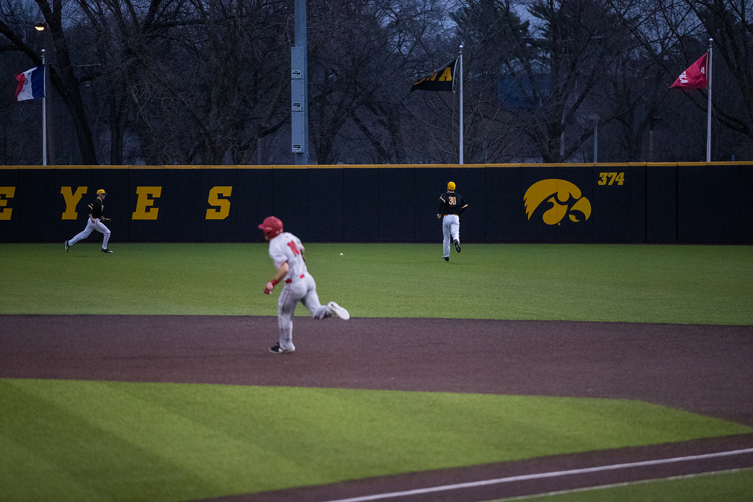 Iowa%27s+Conner+McCaffery+funs+in+the+outfield+to+get+the+ball+during+a+baseball+game+against+Illinois+State+on+Wednesday%2C+Apr.+3%2C+2019.+The+Hawkeyes+lost+to+the+Redbirds+11-6.+%28Roman+Slabach%2FThe+Daily+Iowan%29