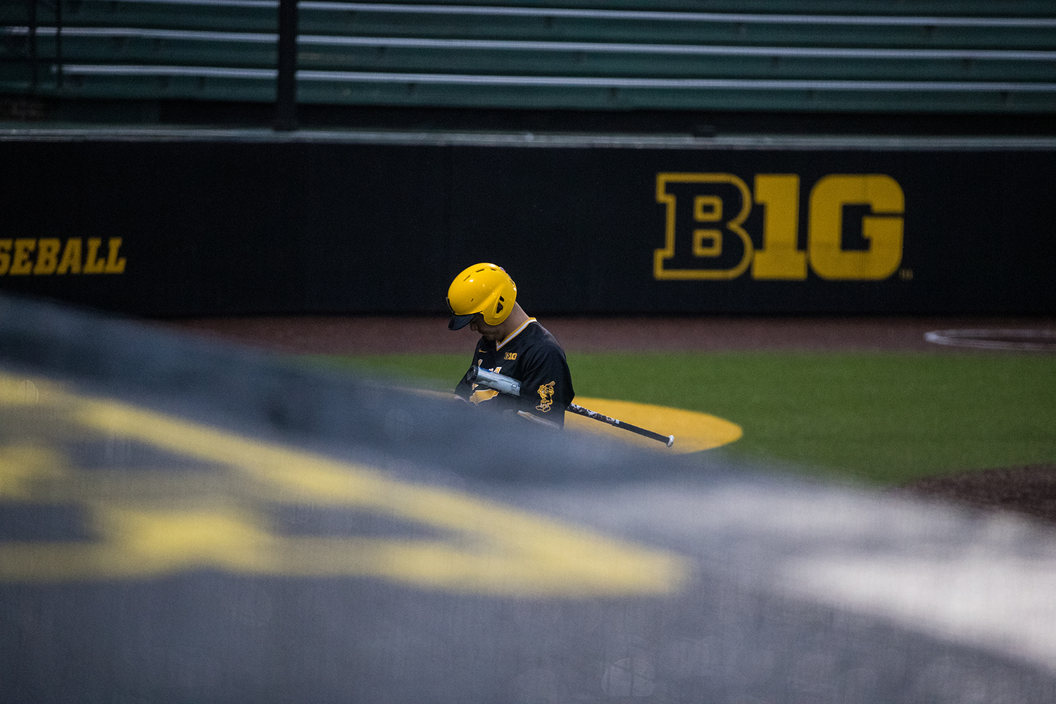 Iowa%27s+Like+Farley+walks+towards+the+dugout+after+getting+struckout+during+a+baseball+game+against+Illinois+State+on+Wednesday%2C+Apr.+3%2C+2019.+The+Hawkeyes+lost+to+the+Redbirds+11-6.+%28Roman+Slabach%2FThe+Daily+Iowan%29