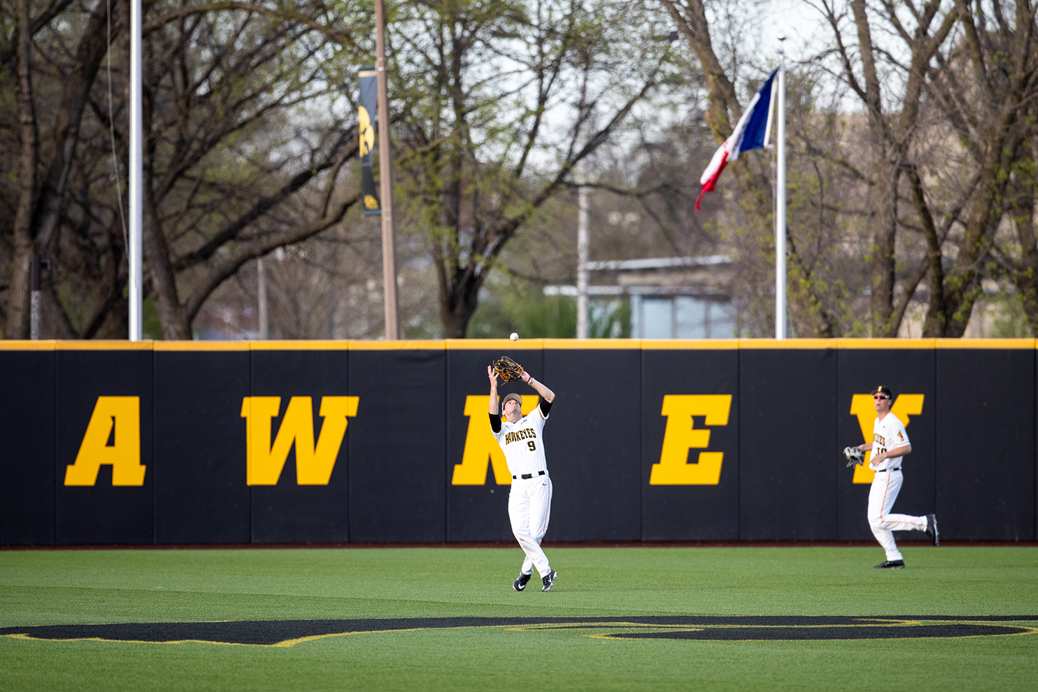 Iowa+outfielder+Ben+Norman+catches+a+line+drive+during+the+baseball+game+against+Milwaukee+at+Duane+Banks+Field+on+Tuesday%2C+April+23%2C+2019.+The+Hawkeyes+defeated+the+Panthers+5-4.