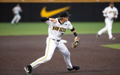 Hawkeye baseball hits the road to Columbus