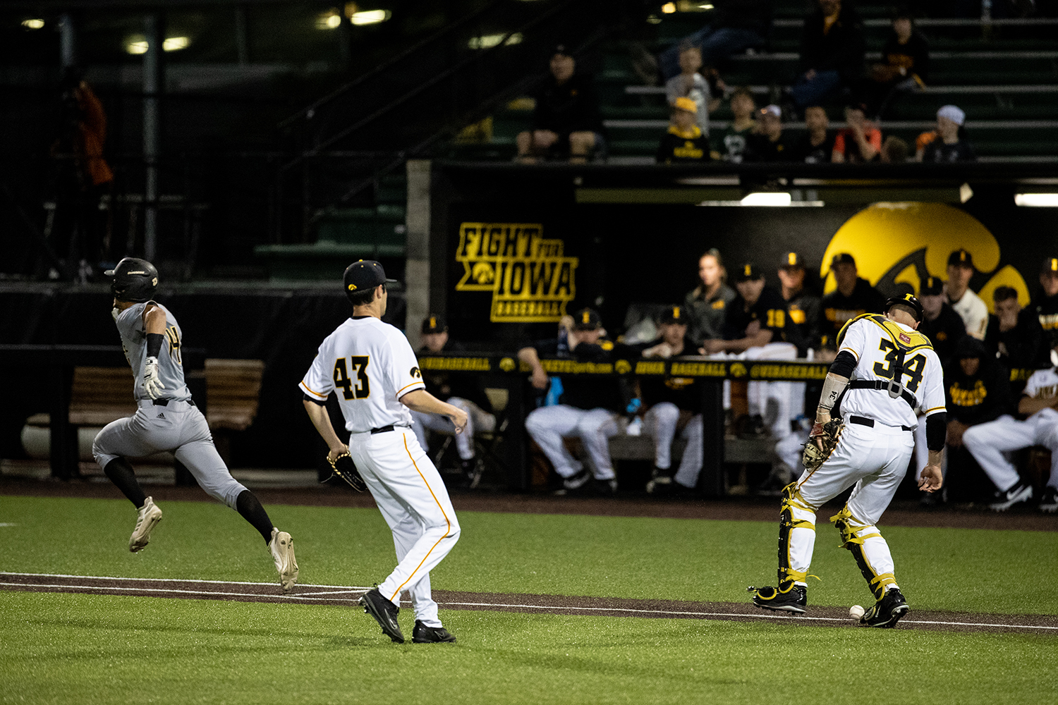 Iowa+catcher+Austin+Martin+waits+for+the+ball+to+become+a+foul+during+the+baseball+game+against+Milwaukee+at+Duane+Banks+Field+on+Tuesday%2C+April+23%2C+2019.+The+Hawkeyes+defeated+the+Panthers+5-4.